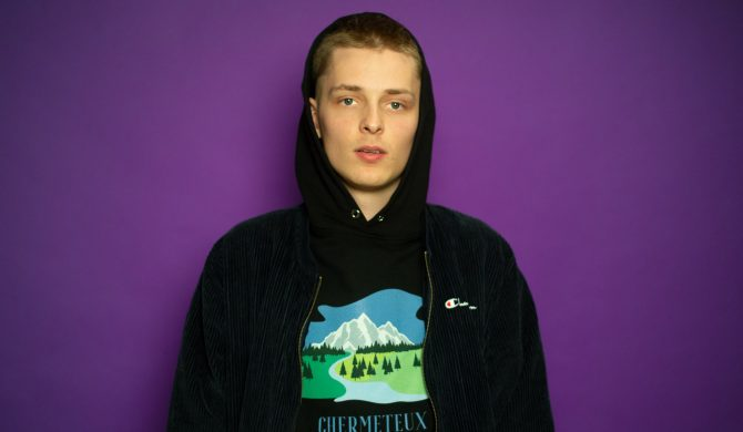 Który polski raper jest idolem Okiego?
