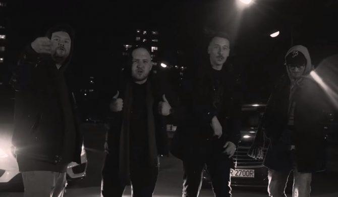 """""""Powiedz na osiedlu"""" – Avi & Louis Villain interpretują klasyk Płomienia 81"""