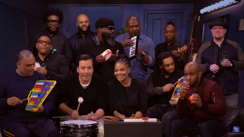 Janet Jackson, Jimmy Fallon i The Roots z klasycznym utworem zagranym na szkolnych instrumentach