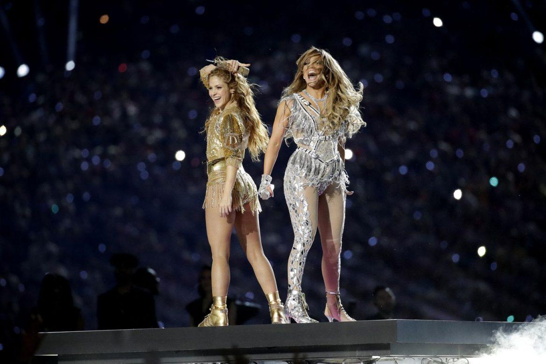 Super Bowl za nami. Zobacz występ Jennifer Lopez i Shakiry
