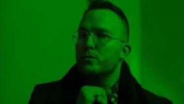 Komu wersów zazdrości Ten Typ Mes? Raper wskazuje ikonę polskiej piosenki