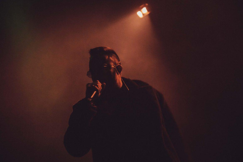 Co różni Tego Typa Mesa od Kanyego Westa?