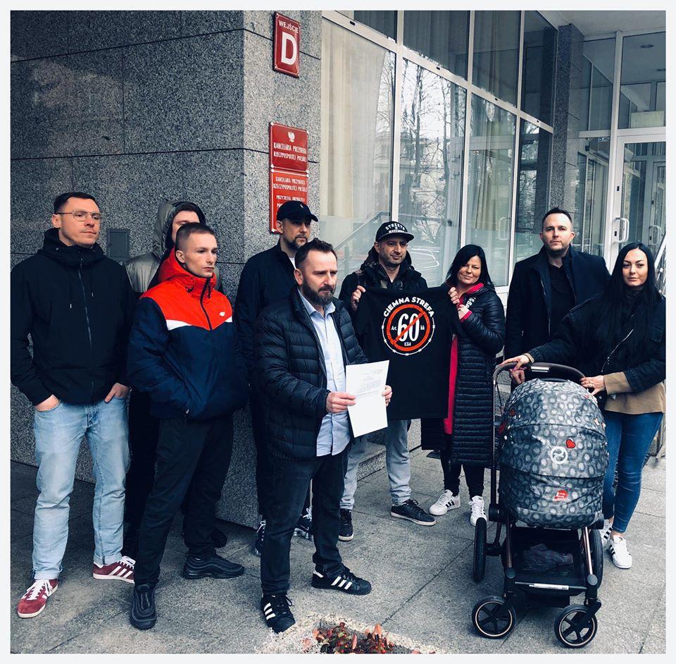 Relacja ze złożenia podpisów do Andrzeja Dudy w sprawie Bonusa RPK