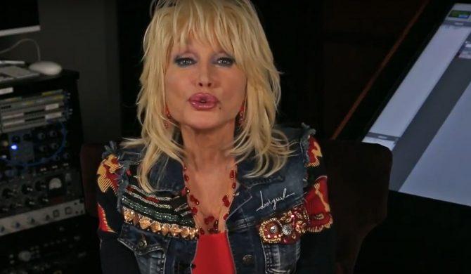 Pomnik Dolly Parton zamiast lidera Ku Klux Klan?