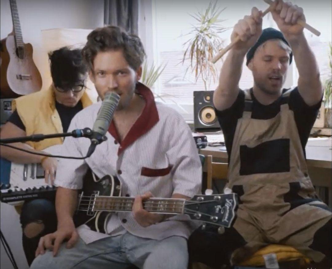 Polsko-francuski zespół w wyjątkowym coverze piosenki Dawida Podsiadło