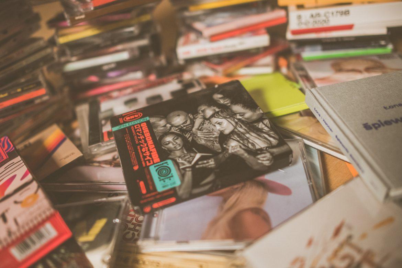 Siedem rapowych albumów w pierwszej dziesiątce najchętniej kupowanych płyt w Polsce