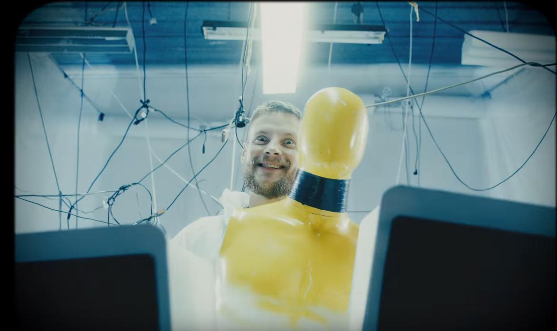 """Sebastian Fabijański o utworze Quebo: """"Ja bym takim tekstem nie zbrudził telefonu czy kartki"""""""