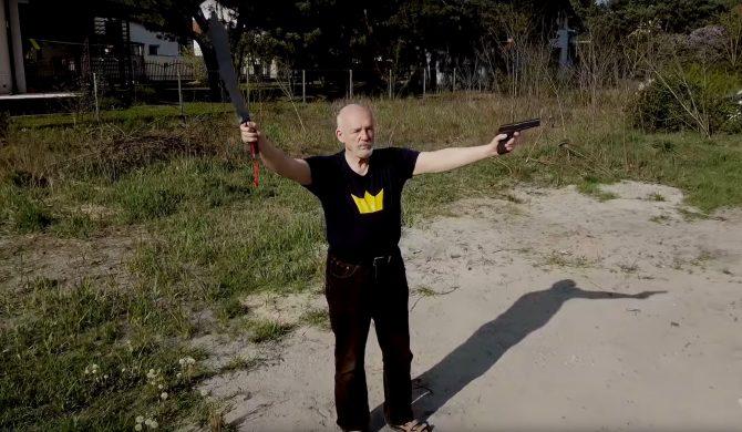 Janusz Korwin – Mikke sprzedaje koszulki z klipu do #HOT16CHALLENGE2