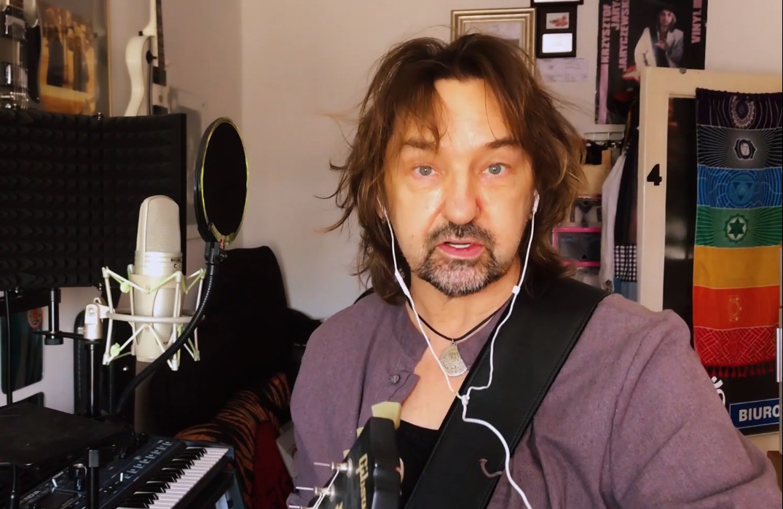 Krzysztof Jaryczewski miał poważny zawał. Pierwszy wokalista Oddziału Zamkniętego trafił do szpitala