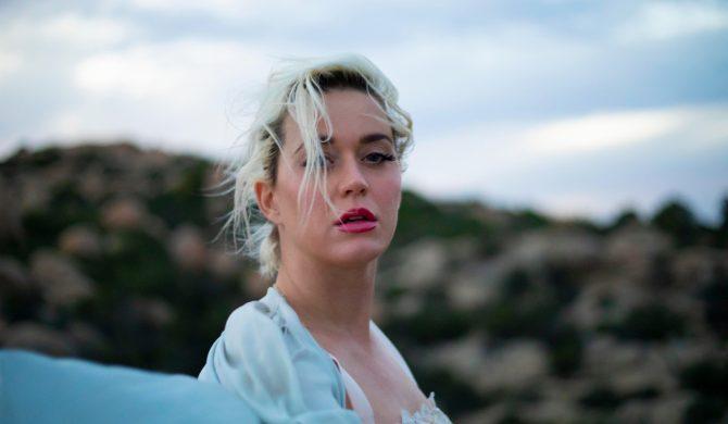 """Katy Perry zapowiada nową płytę utworem """"Daisies"""""""
