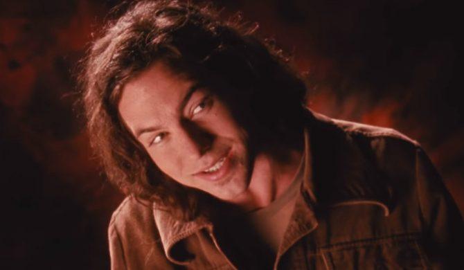 """Po niemal 30 latach Pearl Jam pokazał nieocenzurowaną wersję klipu do """"Jeremy"""""""