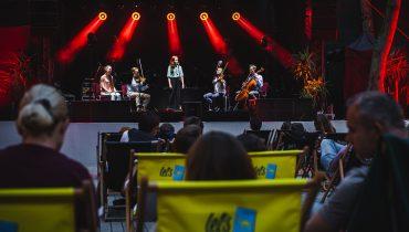 Zastanawialiście się, jak teraz wyglądają koncerty? Zobaczcie nasze zdjęcia z występu Tęskno w Operze Leśnej