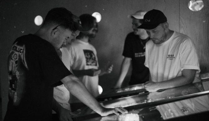 """Taco Hemingway, PRO8L3M, Chwiał i Jedynak rozkręcają własny label. """"Zamieciemy mocniej niż MMXX"""""""