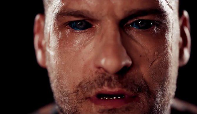 """""""Król jest tutaj"""" – Fame MMA chwali się Popkiem w nowym materiale wideo"""