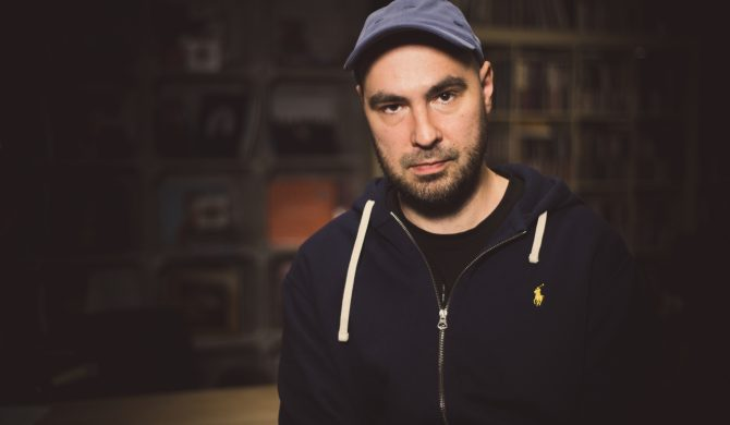 """Jakub Żulczyk: """"Gdy muzyk stara się być autorytetem, to nigdy nie wychodzi dobrze"""""""