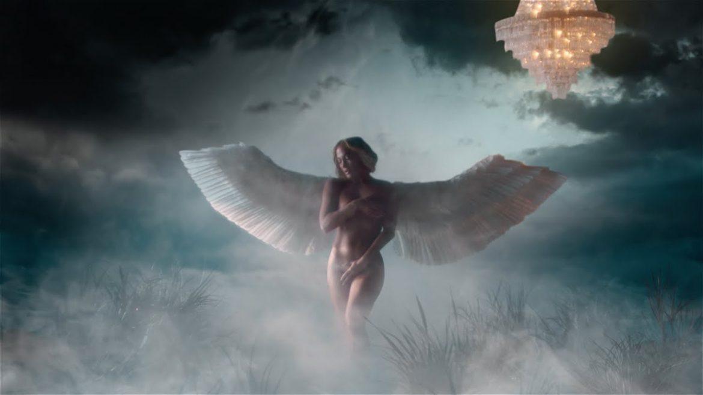 Naga Jennifer Lopez w zmysłowym klipie