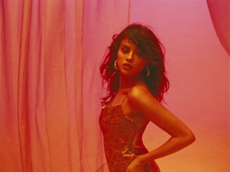 Selena Gomez w zmysłowym duecie z raperem