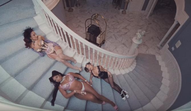 Półnagie Ariana , Megan i Doja na seksownych girls party, w najnowszym klipie Grande