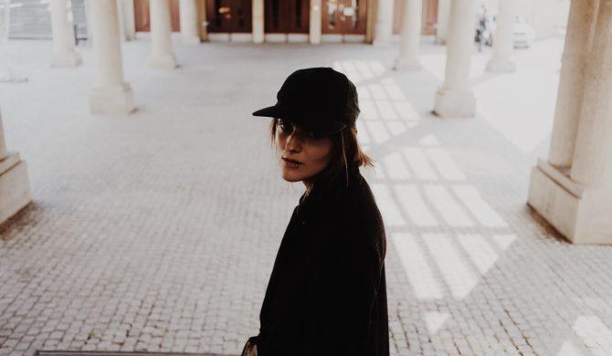 """Tola Szlagowska w słodko – gorzkim walentynkowym kawałku """"First Love"""""""