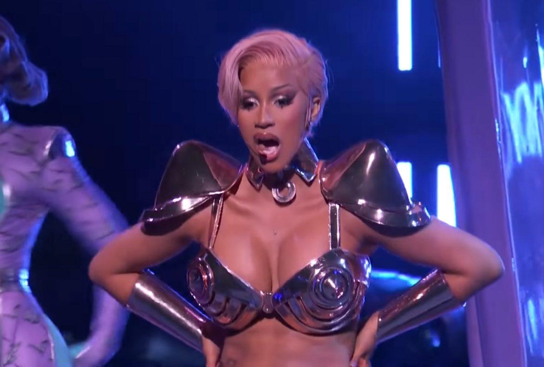"""""""Gloryfikowanie prostytucji i striptizu przed publicznością krajową"""" – komentarze po występie Cardi B i Megan Thee Stallion na Grammy"""