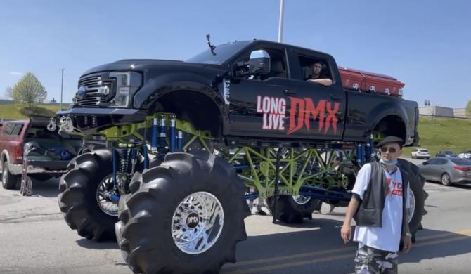 Trumna z DMX'em na moster trucku Ruff Ryders, przejechała ulicami Nowego Yorku