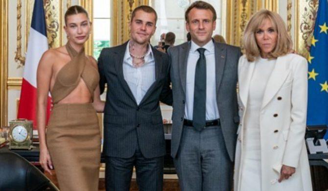Justin Bieber spotkał się z prezydentem Francji. Buty gwiazdora wzbudziły spore kontrowersje