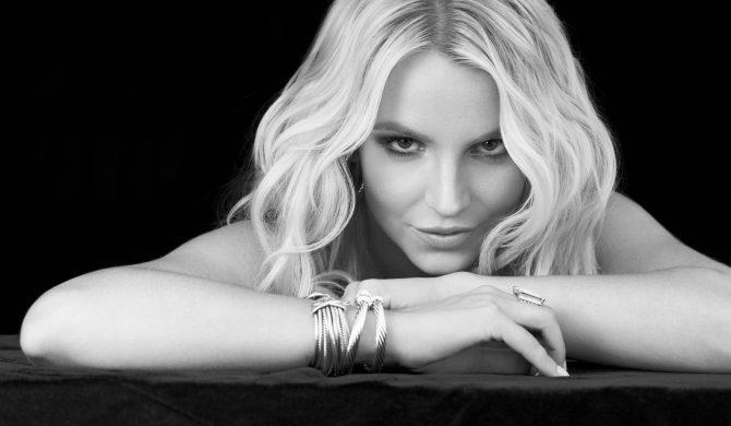 Britney Spears znowu pozuje topless i wyjaśnia, dlaczego to robi