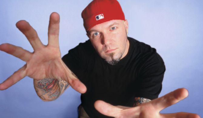 Fani reagują na nowy wizerunek lidera Limp Bizkit: Wygląda jakby się przebrał za Jamesa Hetfielda z lat 90-tych