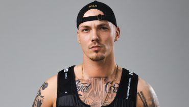 Zrobił karierę w Niemczech – teraz debiutuje w wytwórni Malika Montany. Kronkel Dom z pierwszym singlem w barwach GM2L
