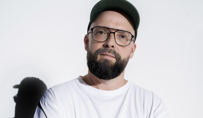 Dziś premiera pierwszego solowego albumu legendy polskiej sceny hip-hopowej