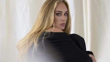 Adele trzyma w domu wyżutą gumę Celine Dion. Wokalistka zdradza, od kogo ją dostała