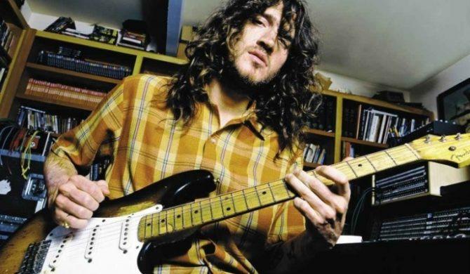 John Frusciante z muzykiem The Mars Volta