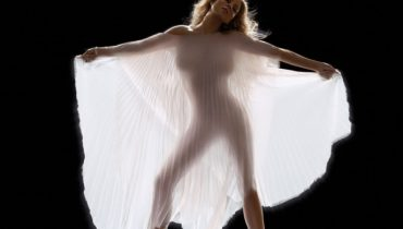 Nowa Mariah Carey w sierpniu
