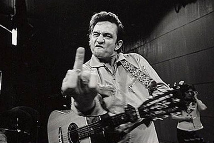 Dlaczego Johnny Cash pokazał środkowy palec?