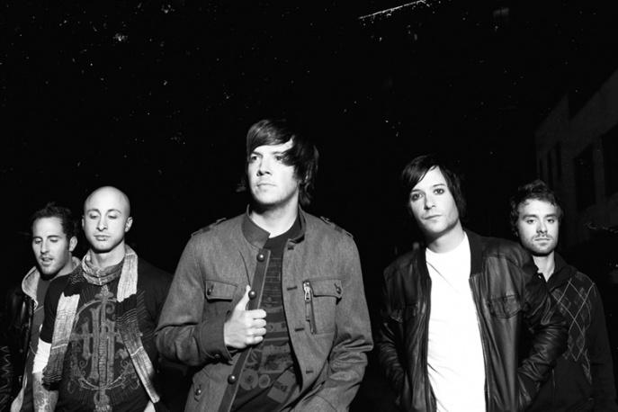 Wokalista Weezer na singlu Simple Plan