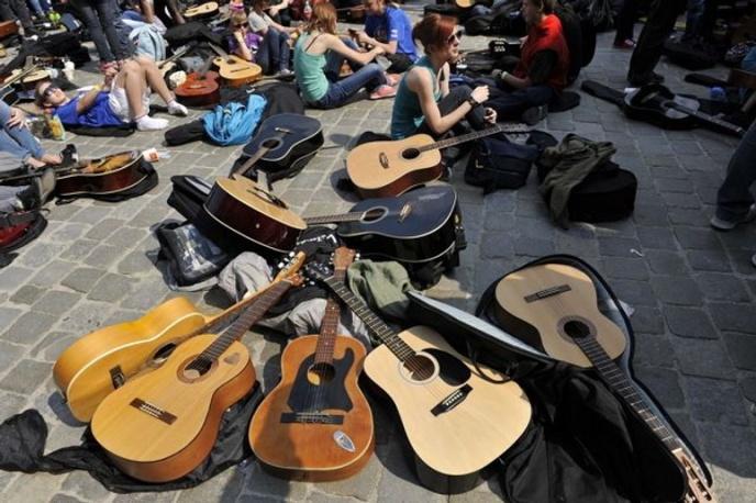 Gitarowy Rekord Guinnessa zgromadził 5601 fanów gitary