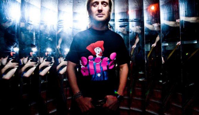 David Guetta szuka hakera