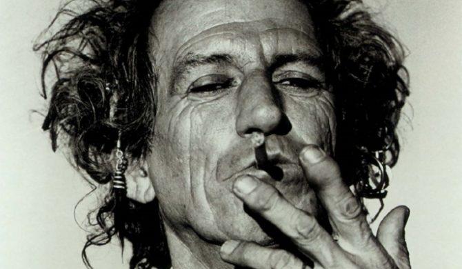 Keith Richards pracuje nad solówką