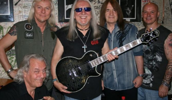 Gitara Carparelli S4 dla fanów Uriah Heep