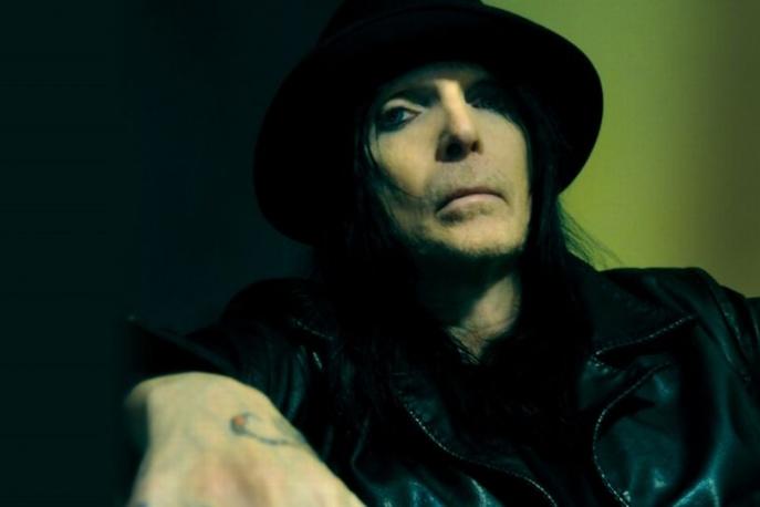 Gitarzysta Motley Crue planuje soulowy album