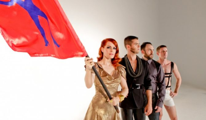 Członek Scissor Sisters chce Queens Of The Stone Age