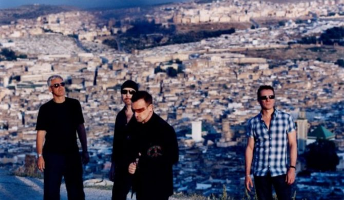 Gwiazdy kowerują U2