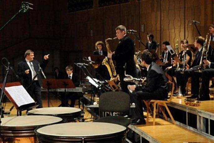 Szymanowski Big Band w Pozytywnych Wibracjach