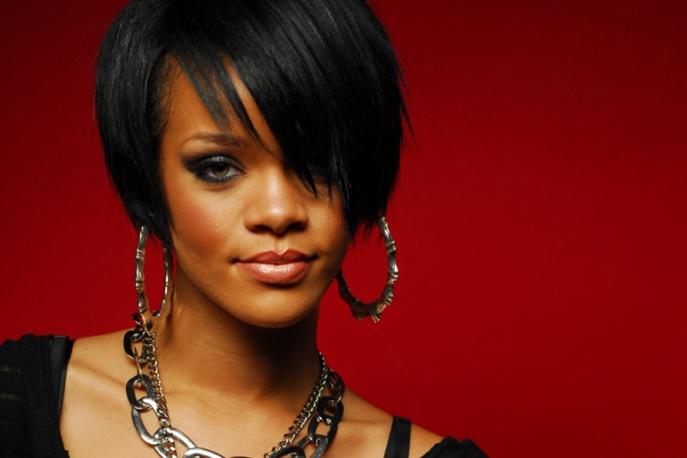Rihanna pracuje z czołówką