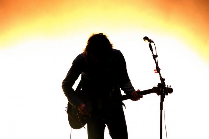 Arctic Monkeys kowerują Katy B