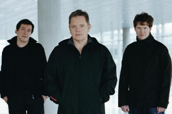New Order znów pomogą piłkarzom?