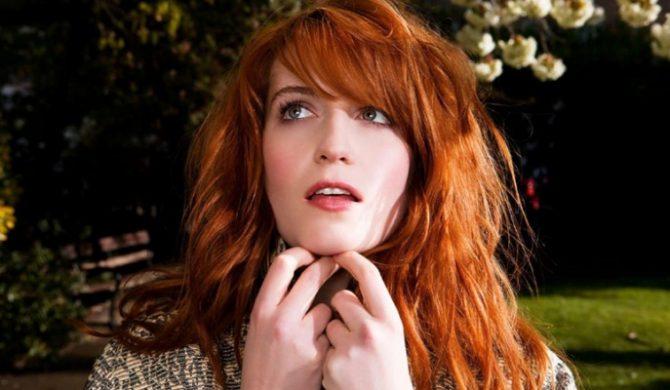 Wokalistka Florence And The Machine chora