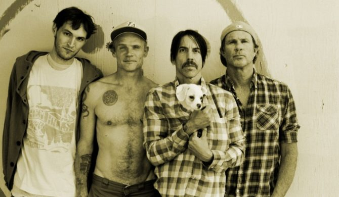 Red Hot Chili Peppers muszą wydać single