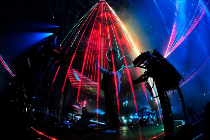 Deadmau5 brzmi jak Swedish House Mafia? – audio