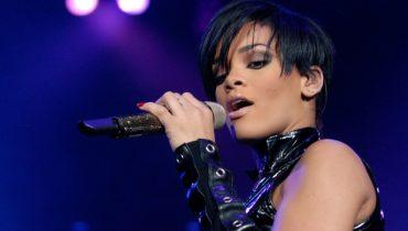 Rihanna Odzyska Biżuterię